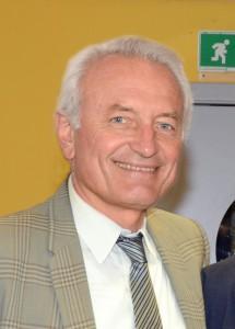 Il professor Stefano Papa, coordinatore della Scuola di Scienze biologiche