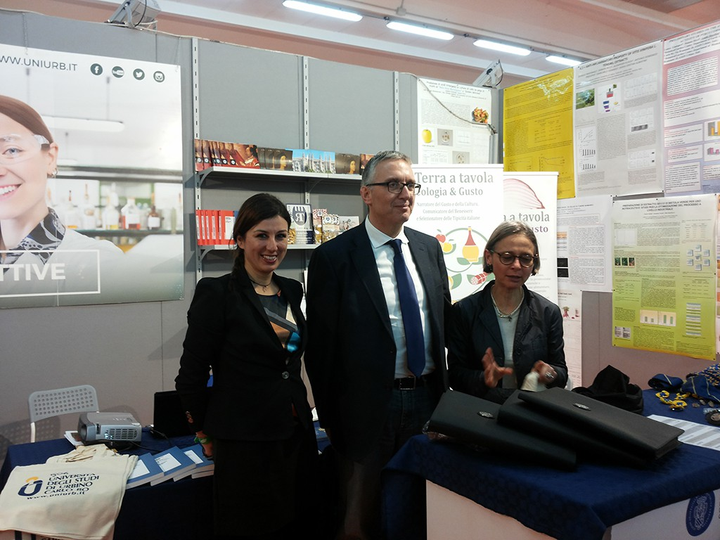 Il Presidente della Regione Marche Luca Ceriscioli in visita allo stand