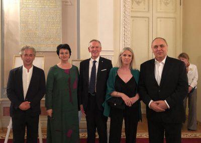 Il Rettore Vilberto Stocchi con la Professoressa Francesca Bottacin, Irina Podkovyrina, Dmitry Povolotsky e Alexey Viktorovich Chernyh