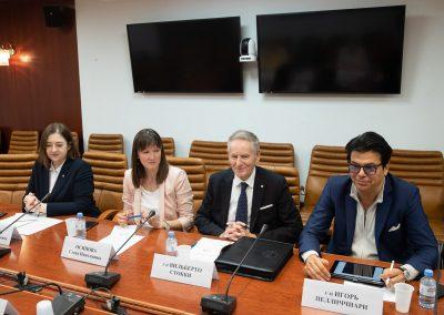 Il Rettore Vilberto Stocchi con la Dott.ssa Elena Osipova e il Professor Igor Pellicciari